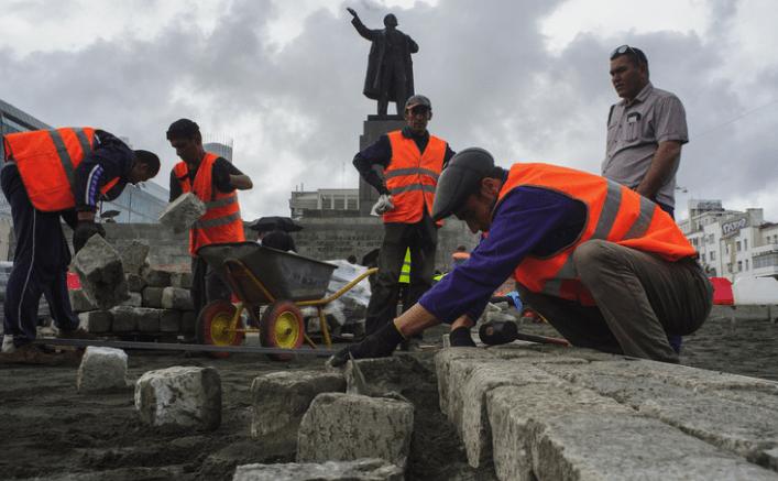 Мигранты строители