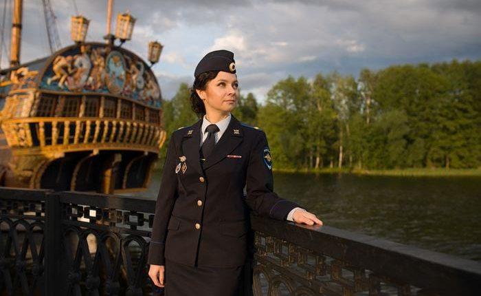 Полицейский женщина