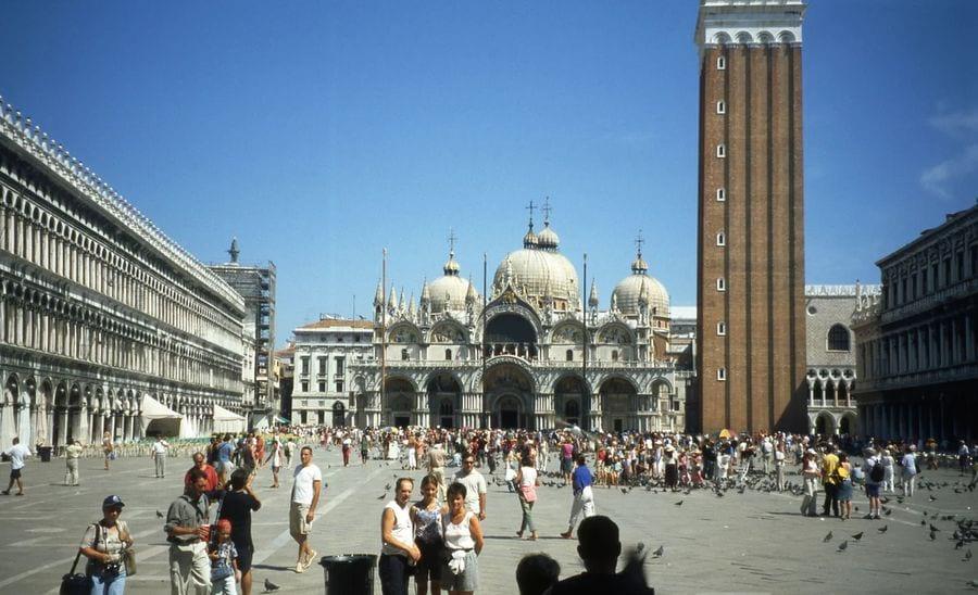 Чарующие виды Венеции (15 фото)