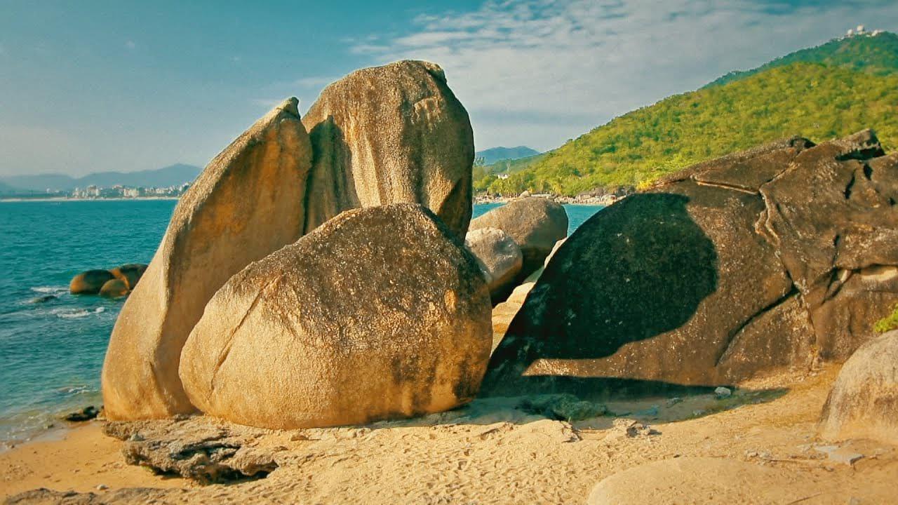 Остров Хайнань: какое море омывает берега, описание курорта
